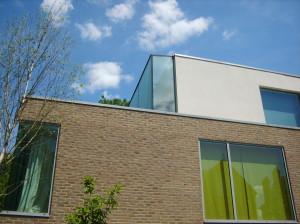 modern house by Webb architects