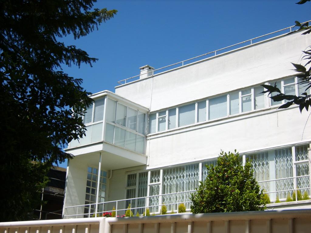Maxwell Fry's sun house