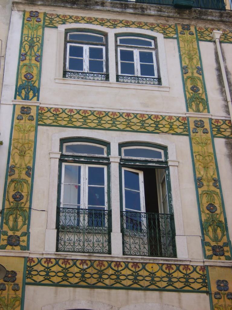 Lisbon\'s art deco & art nouveau architecture / toothpicnations