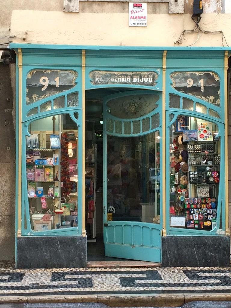 Lisbon 39 s art deco art nouveau architecture toothpicnations for Art deco online shop