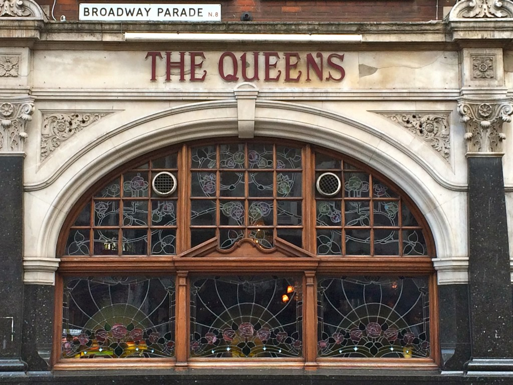 The queens crouch end