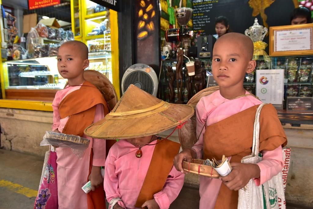 burmese nuns