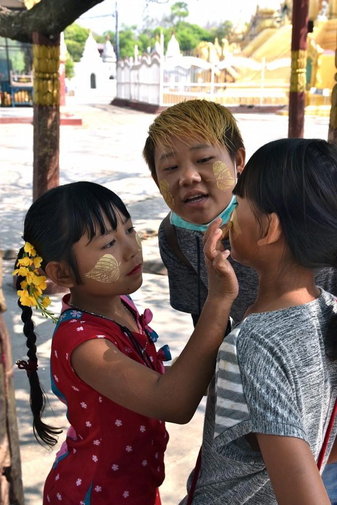 burmese childen
