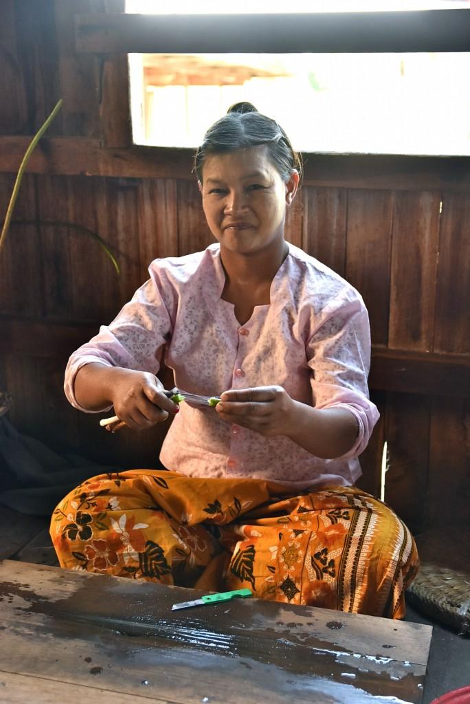 burmese weaving factory