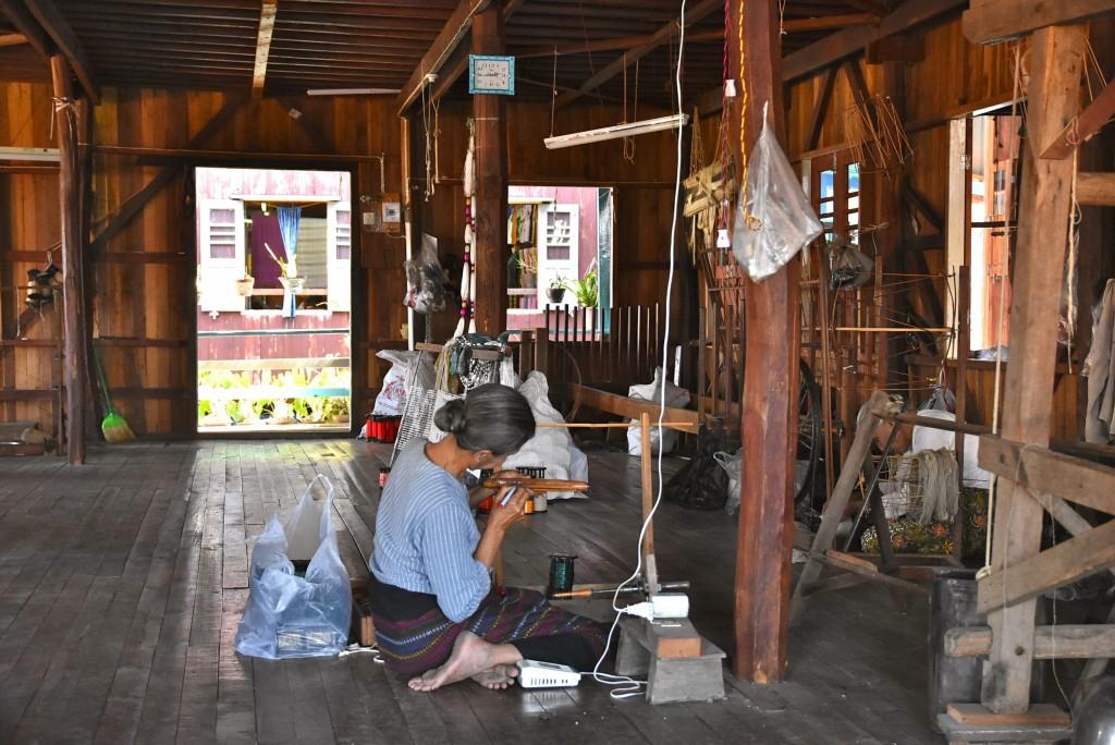 inle lake weaving factory