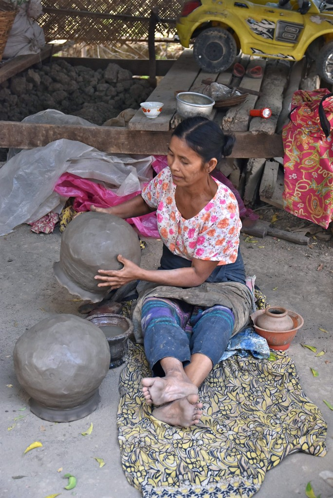 burmese pottery maker
