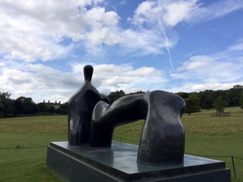 Henry Moore: Reclining Figure: Arch Leg
