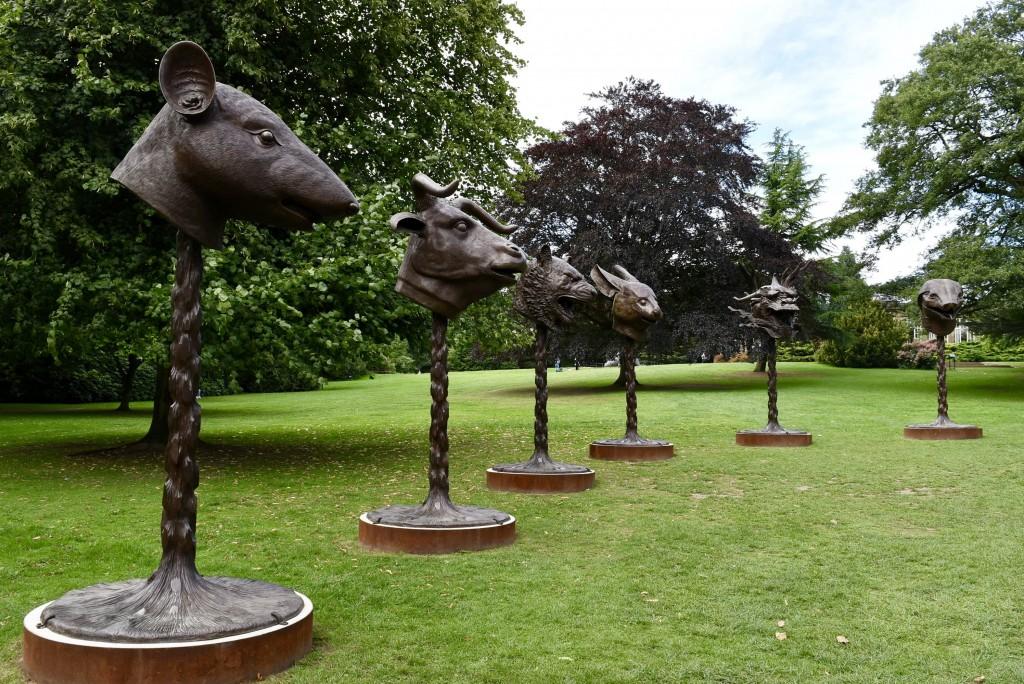 Ai Weiwei: Circle of Animals / Zodiac Heads