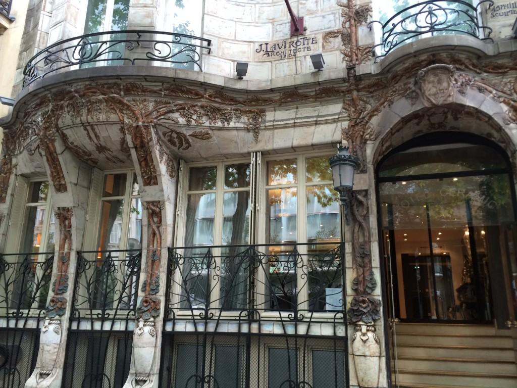 Céramic Hôtel door