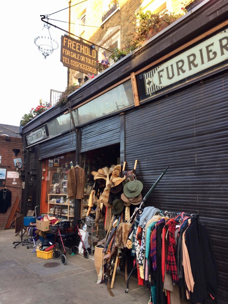 Costumier and Furrier
